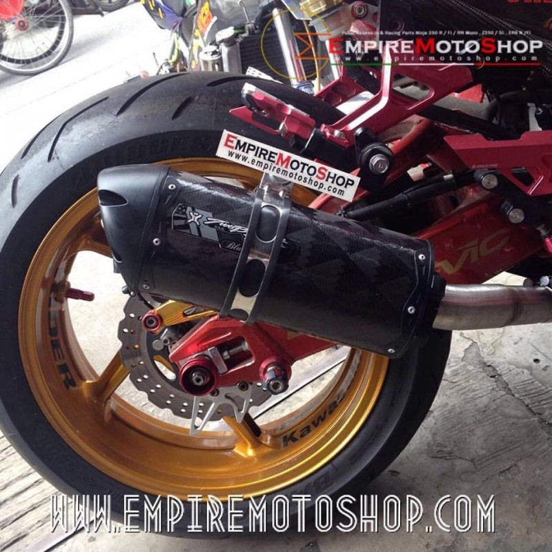 Knalpot Two Brothers Fullsystem Blackseries short Ninja 250 Fi